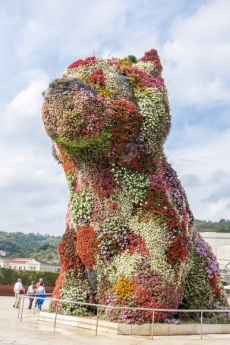 Skulptur PUPPI von Jeff Koons
