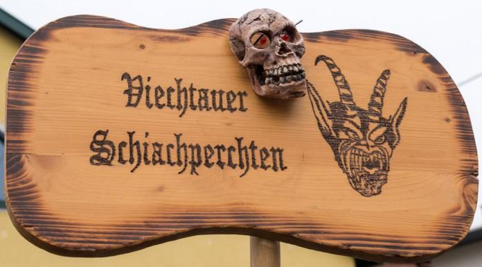 Viechtauer_Perchtenschild